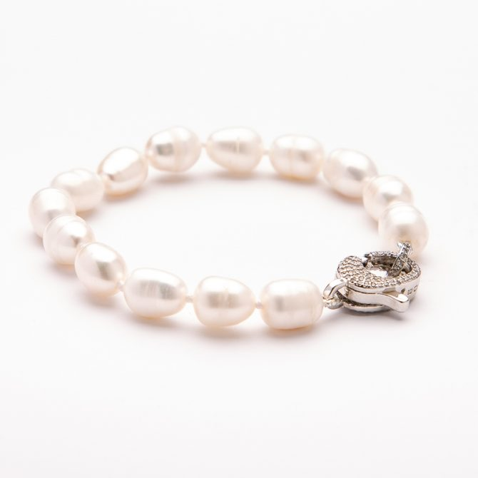 B-PS-6 10MM OVAL WHITE PEARL PAVE CLASP BRACELET
