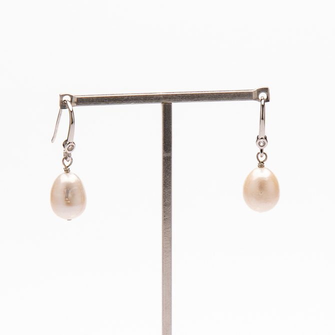 E-PS-12 12mm White Oval Pave Pearl Earrings